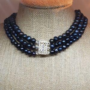 Dynamic pearl bracelets